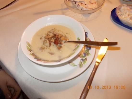 Romige knolselderijsoep met paddenstoelen en spekjes recept ...