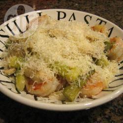 Pasta met asperges en garnalen recept