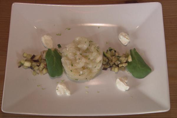 Tartaar van sint-jacobsschelpen met courgettes, aubergine en limoen