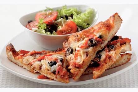 Franse pizza met geroosterde paprika