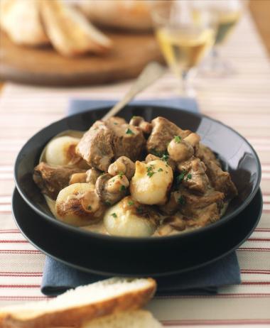 Recept 'kalfs blanquette met uien en champignons'