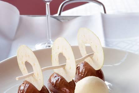 Chocolademousse met granita van appel en mintmeringue