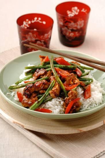 Zoete soja-varkenshaas met paprika en boontjes recept