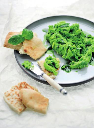 Recept 'hummus van tuinbonen met basilicum'