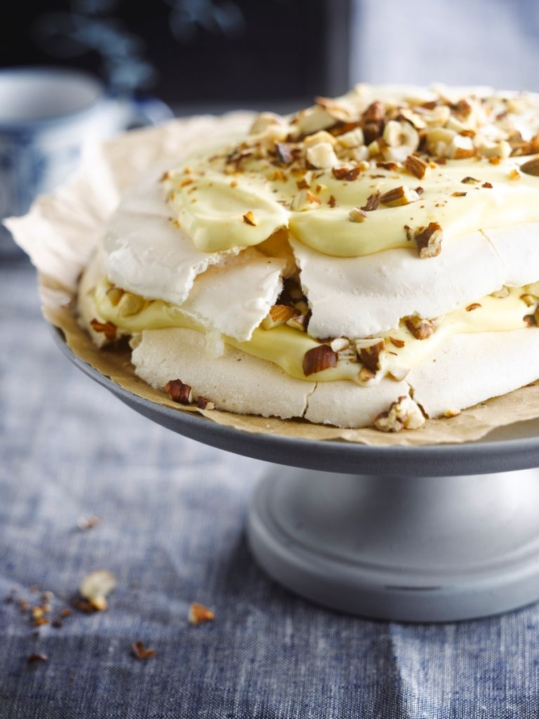 Recept 'pavlova met geroosterde noten'