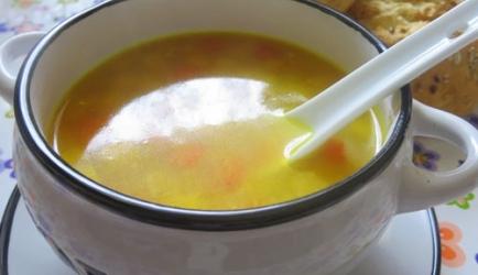 Zonnige soep van maïs met kip en quinoa recept