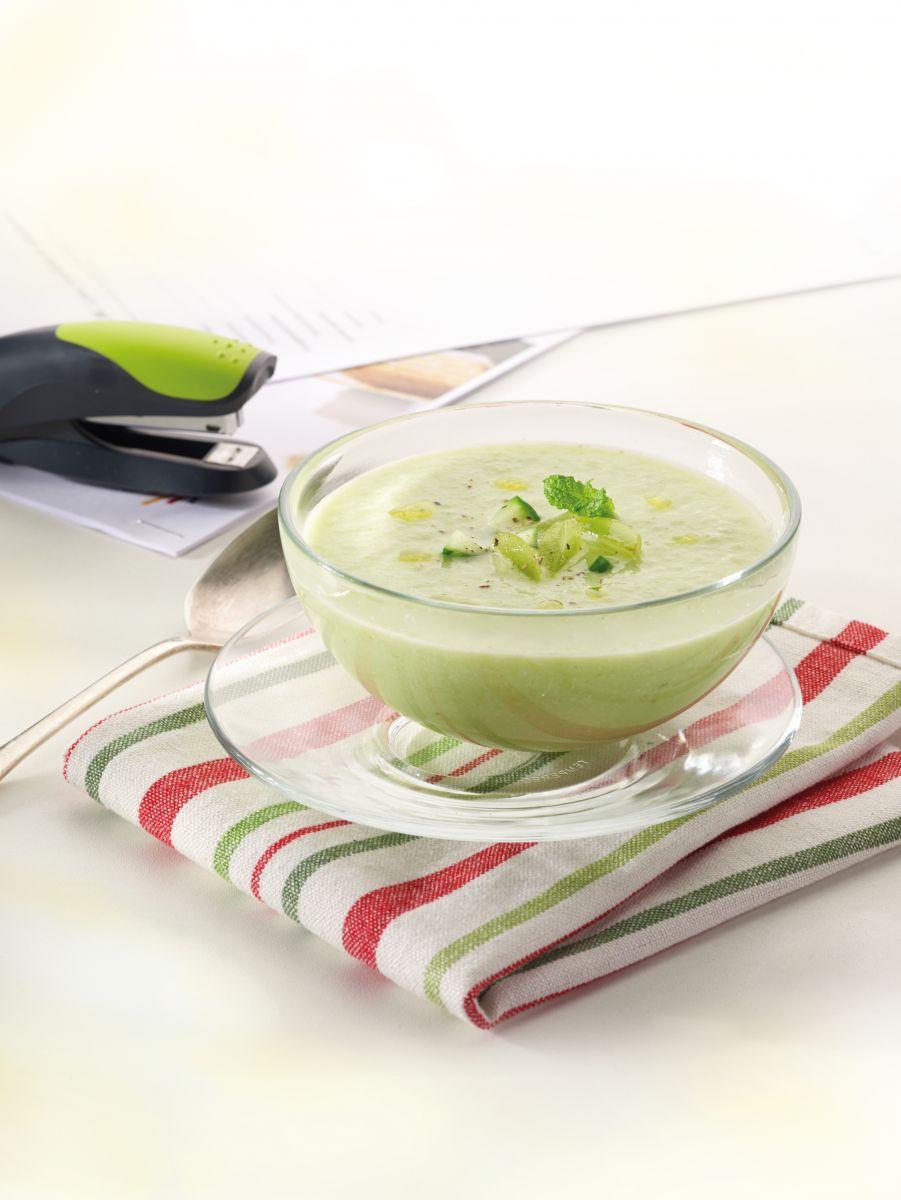 Recept 'groene gazpacho met amandelen'