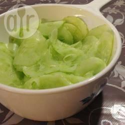 Komkommer met azijn en suiker recept