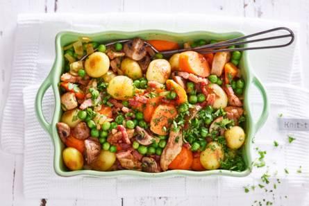 Scharrelkipdijfilet met gemengde groenten en spek