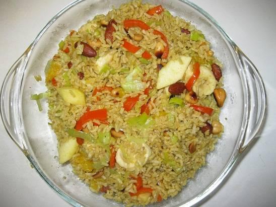 Kerrie-rijst met noten en vruchten recept