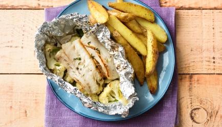 Vispakketje van heekfilet met citroentijm en aardappelen recept ...