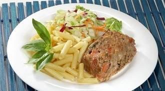 Italiaans gehaktbrood met tomaat, basilicum en mozzarella recept ...