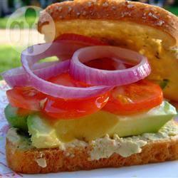 Korianderhumus en groenten sandwich recept