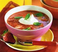 Geurige aardbeiensoep met basilicum recept