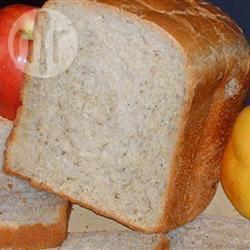 Speltbrood uit de broodmachine recept