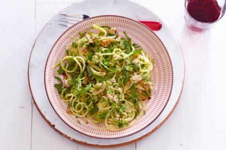 Verse spaghetti met tonijn-doperwtenpesto