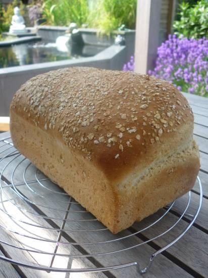 Brood witte spelt met haverzemelen en sesamzaadjes recept ...