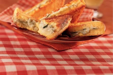 Wentelteefjes met gorgonzola en rozemarijn