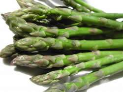Gegrilde groene asperges met sesam recept