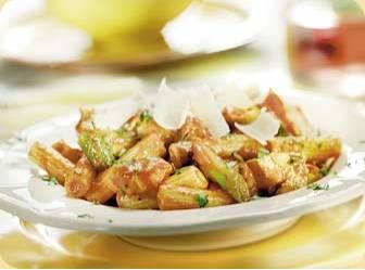 Rigatoni con pollo, limone e salsa picante recept