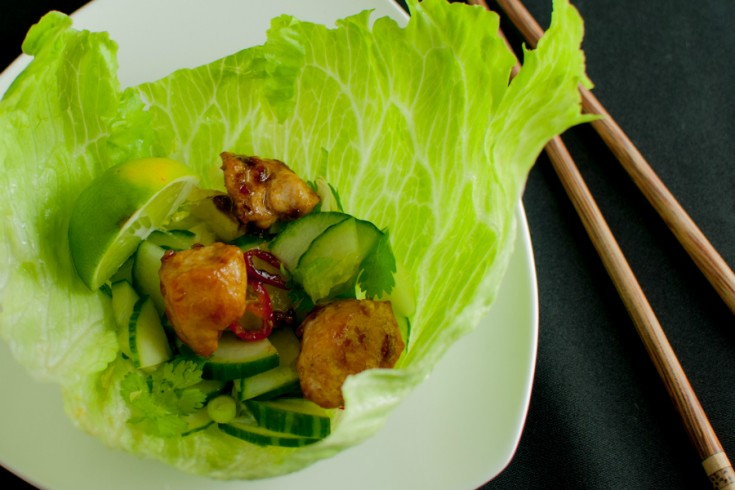 Koreaanse wraps met sla, kip en snelle kimchi