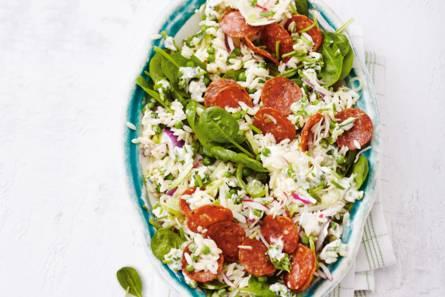 Pittige pastasalade met knapperige groenten