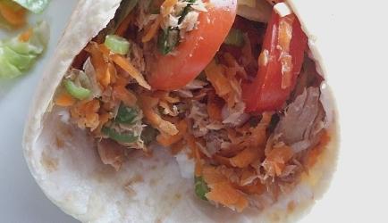 Heerlijke wraps met tonijn, roomkaas, salade recept