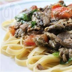 Farfalle met tonijn, spinazie en pesto recept