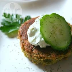 Falafel met yoghurt komkommersaus recept