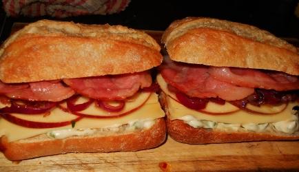 Broodje ui, kaas, appel en spek recept ...
