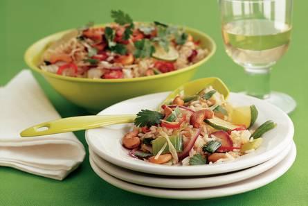 Oosterse rijstsalade met cashewnoten