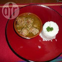 Albondigas (spaanse gehaktballetjes in saffraansaus) recept ...