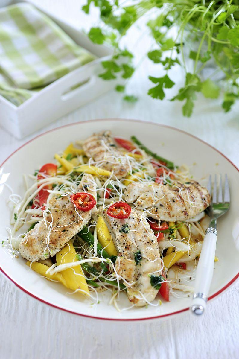 Recept 'thaise kipsalade met een pittige dressing'