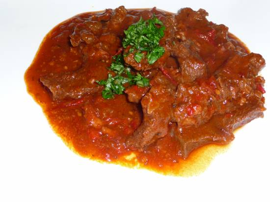 Hongaars stoofvlees: pörkölt (goulash) recept
