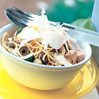 Spaghetti met 3 soorten vis recept