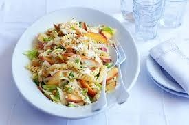 Koude pastasalade met perziken recept