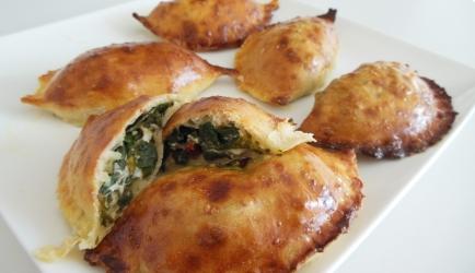 Glutenvrije empanadas met spinazie en feta recept