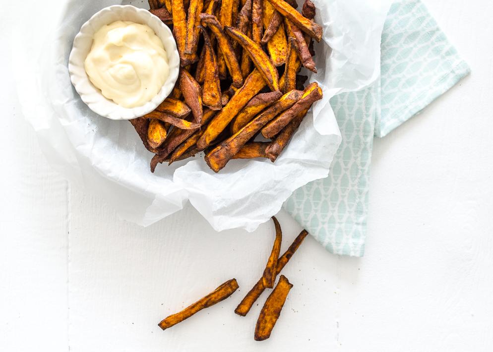 Zoete aardappel friet uit de airfryer