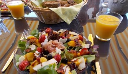 Super lekkere zomerse lunchsalade; ook lekker voorgerecht ...