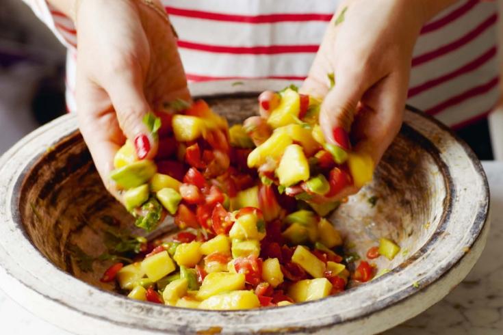 Heerlijke snelle mango-avocado salsa