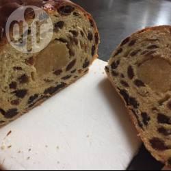 Rozijnen-krentenbrood met spijs recept