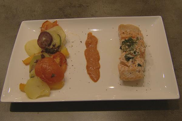 Gestoomd zalmhaasje met ovenschotel van provencaalse groenten ...
