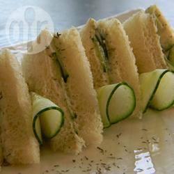 Komkommersandwiches voor bij de high tea recept