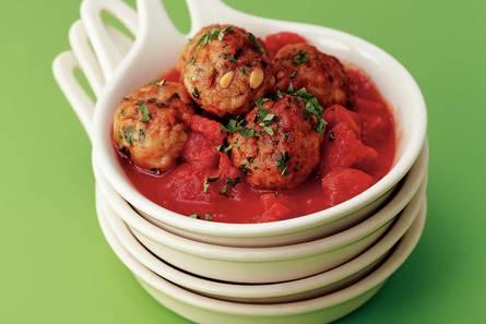 Kruidige kipballetjes in tomatensaus