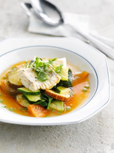 Recept 'tomatenbouillon met gebakken vis'