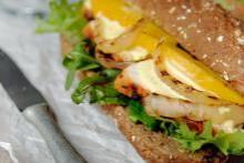 Kipsandwich met mango recept