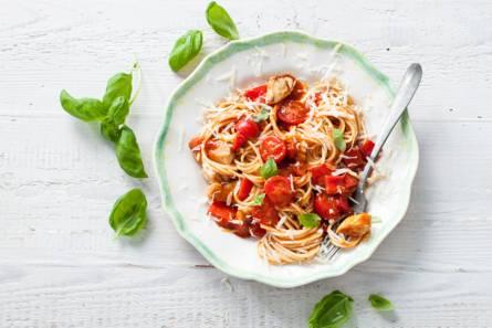 Spaghetti met kip, tomaat en paprika