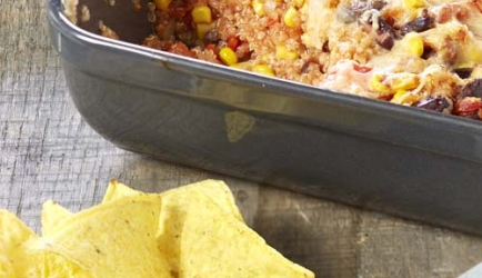 Mexicaanse quinoaschotel met guacamole recept