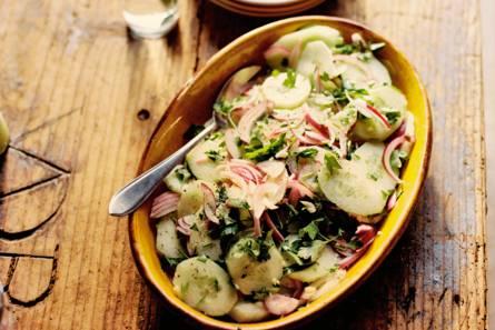 Komkommersalade met ui