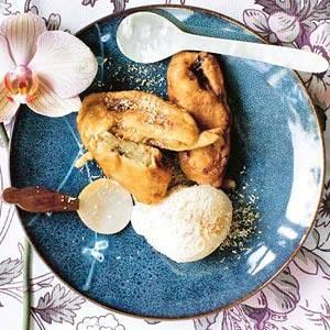 Banaan met ijs en geroosterde kokos recept